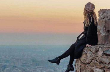 Barcelon-girl-city-scaled2